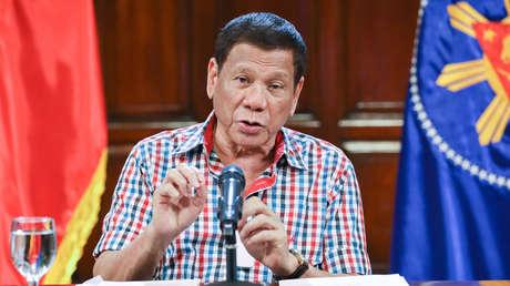 """""""Sería como la ley marcial"""": Duterte amenaza con desplegar tropas para hacer cumplir la cuarentena en Filipinas"""