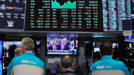Los mercados globales se desploman tras anunciar Trump que tiene covid-19