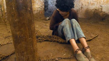 Human Rights Watch: Cientos de miles de personas con problemas de salud mental viven encadenadas