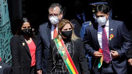 """Comisión de Transición Presidencial en Bolivia acusa a Áñez de operar """"solo para su bolsillo"""""""