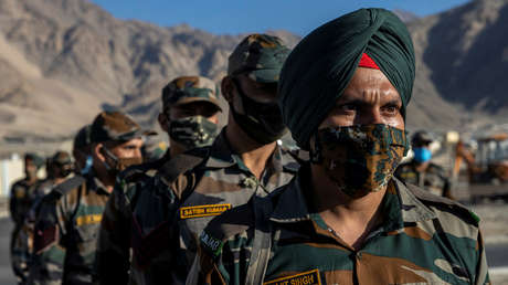 """El líder del Ejército indio califica a Pakistán y China de """"potente amenaza"""" pero espera una """"solución pacífica"""" de la disputa fronteriza con Pekín"""