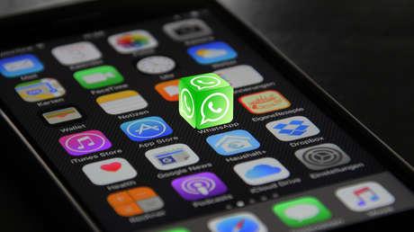 """WhatsApp afirma que la nueva política de privacidad """"no amplía la capacidad de compartir datos con Facebook"""""""