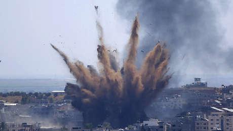 La Fuerza Aérea israelí destruye el edificio del Ministerio de Trabajo en Gaza