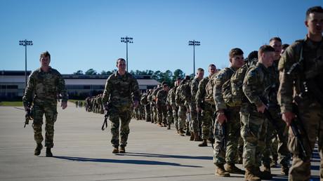 Soldaten der 1. Kampfbrigade der 82. Luftlandedivision warten auf ihre Verlegung in den Irak (Bild vom 5. Januar).
