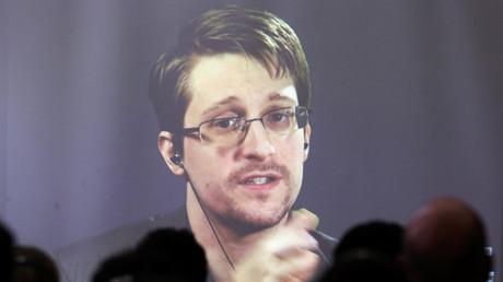 Edward Snowden warnt davor, dass sich die Büchse der Pandora womöglich nicht mehr schließen lässt.