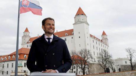 Der neue slowakische Ministerpräsident Igor Matovič vor der Burg Bratislava. (1. März 2020)