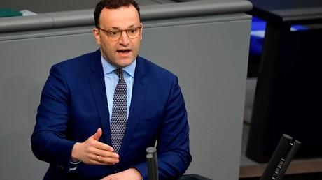 Bundesgesundheitsminister Jens Spahn (CDU) warb am Donnerstag im Bundestag für die Annahme von verschärften Corona-Gesetzen (Bild vom 14. Mai).