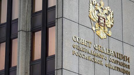 Russischer Abgeordneter: Das gegen Trump geplante Amtsenthebungsverfahren ist politisch motiviert
