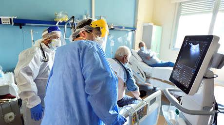 """Klinieken in het eerste jaar van de pandemie: patiëntenverliezen en """"COVID-gevallen"""" zonder COVID"""