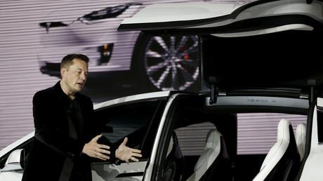 5bbe7f63fc7e9368208b45c4 Murdoch heir rumored to be in line for Tesla chair, Musk denies in 4:20 tweet