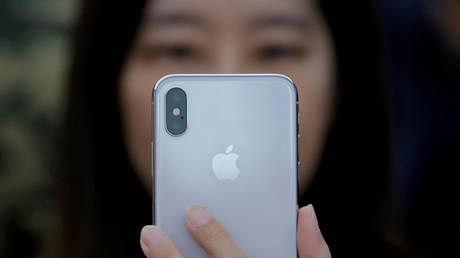 5c2d88fcfc7e936c038b45eb Apple iPhone sales look $9bn worse than expected, CEO blames China & cheap batteries