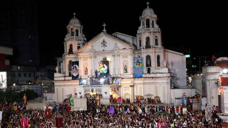 5c37ded1fc7e937d738b457e 'Most of them are gay': Duterte urges Vatican to allow its 'useless' priests to have boyfriends
