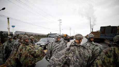 5c7b255ddda4c82d5a8b45ee US & South Korea agree to scrap major military drills to foster denuclearization – Seoul
