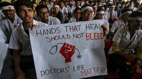 5d075caadda4c8ba2d8b4633 Doctors across India stage massive walk-out in protest over attack