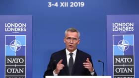 Sekretarz Generalny NATO Stoltenberg powiedział, że sojusz powinien dążyć do lepszych stosunków z Rosją, sygnalizując chęć spotkania się z Putinem