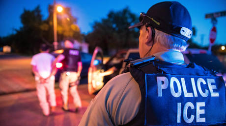 ©US Immigration and Customs Enforcement / Charles Reed