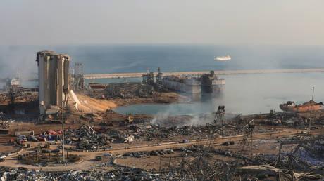 NNN: Les secouristes ont poursuivi mercredi leurs recherches de personnes portées disparues sous les décombres des bâtiments effondrés, un jour après une explosion massive au port de Beyrouth a tué 100 personnes. Quelque 4 000 personnes ont été blessées, dont beaucoup souffrent de blessures modérées à graves, a indiqué la Croix-Rouge libanaise. Le secrétaire général […]
