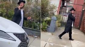 `` Załóż swoją pieprzoną maskę! '': Maska przejazdu zawstydzająca Żyda podkreśla rosnące napięcia w Covid-19-era NYC