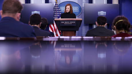 White House Press Secretary Jen Psaki addresses reporters during a news briefing in the Brady Press Briefing Room at the White House in Washington, U.S., February 16, 2021. © REUTERS/Jonathan Ernst