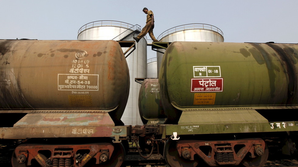 India to cut Saudi oil imports amid escalating standoff over output & diversification drive