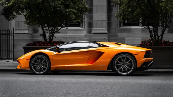 One bitcoin will be worth a Lamborghini by year's end, and a Bugatti by 2023 – Kraken CEO