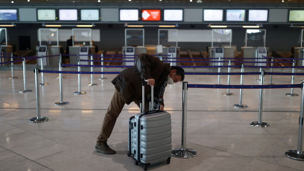 No signs of demand recovery: Global air passenger traffic continues to fall, IATA says