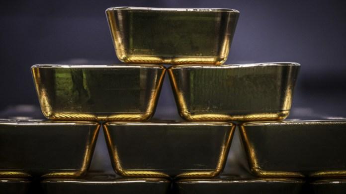 Weaker dollar & coronavirus surge boost gold's safe-haven appeal