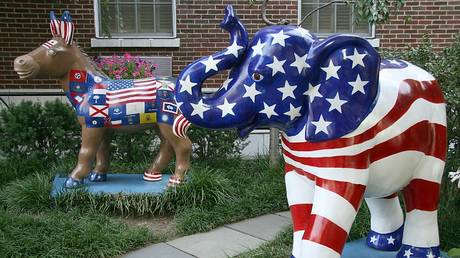The symbols of the Democratic (donkey) and Republican (elephant) parties are seen on display in Washington, DC on August 25, 2008 © AFP / Karen Bleier