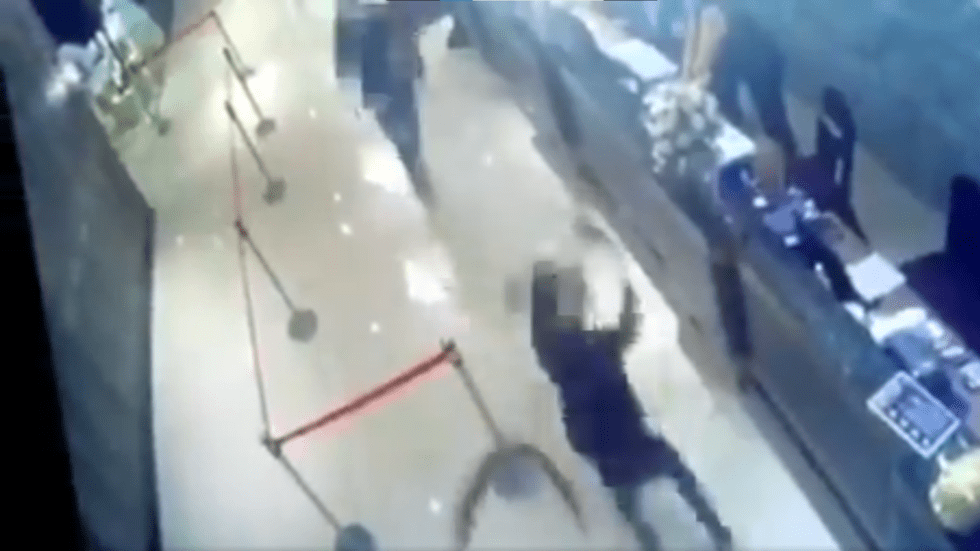 Taiwan restaurant attacked with 1,000+ cockroaches in likely hit by organized crime (VIDEO), Swahili Post