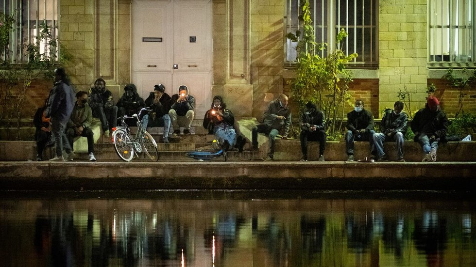 French police investigating Paris firework incidents after vigilantes reportedly target drug users (VIDEOS), Swahili Post