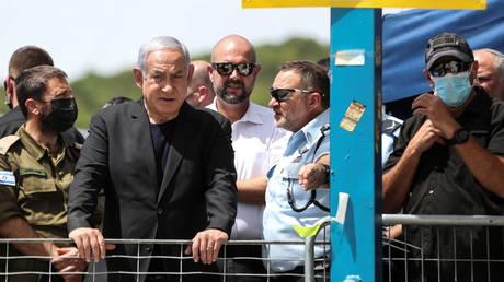 Israeli Prime Minister Benjamin Netanyahu visits Mount Meron, northern Israel, April 30, 2021. © Reuters /  Ronen Zvulun