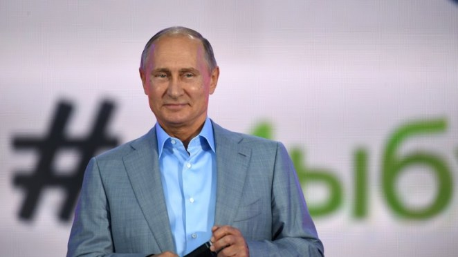 Rare: Putin speaks in English to participants of the Youth Festival (VIDEO)