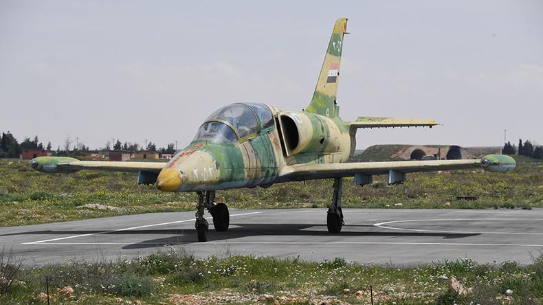 un avion militaire syrien abattu par des rebelles pres de hama le pilote tue