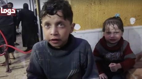Le garçon, identifié comme étant Hassan Diab et âgé de 11 ans, le 7 avril à Douma, dans la Ghouta orientale, capture d'écran Facebook