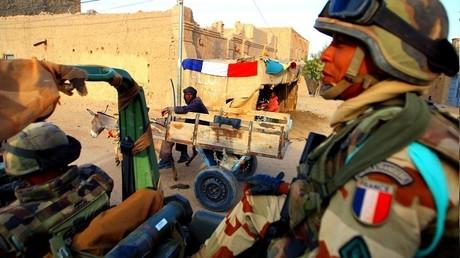 Emmanuel Macron réveillonne avec les soldats français de Barkhane au Tchad