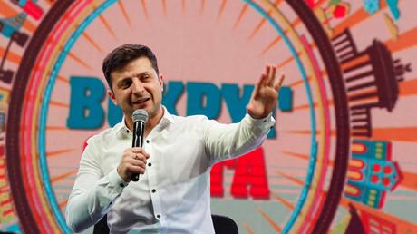 Pourquoi Volodymyr Zelensky, comédien et humoriste, plaît aux électeurs ukrainiens