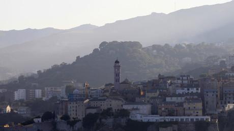 Corse : une partie de l'île de Beauté fera-t-elle la morte pour la venue d'Emmanuel Macron ?