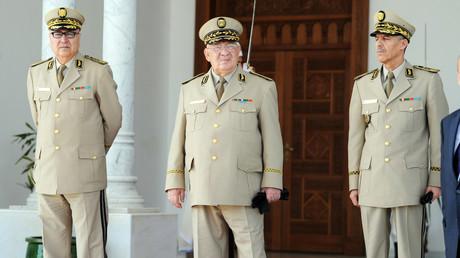 Algérie : l'armée «soutient le peuple jusqu'à la satisfaction de ses revendications»