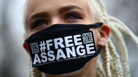 Assange : manifestation virtuelle un an après l'incarcération du lanceur d'alerte à Belmarsh