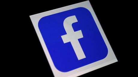 Comptes de partisans de Bolsonaro bloqués : Facebook dénonce une décision «extrémiste»