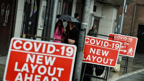 Covid-19 : le Royaume-Uni retire 5 300 décès de son bilan en changeant son mode de calcul