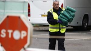 Migrants à Sainte-Hélène, navires de barrage sur la Manche: des possibilités envisagées par Londres?