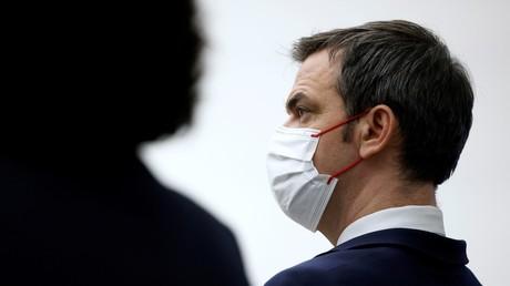 Olivier Véran espère que toute la population française puisse être vaccinée d'ici fin août