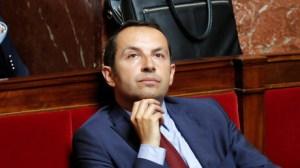 100 000 morts du Covid-19 : le Rassemblement national exige des excuses d'Emmanuel Macron