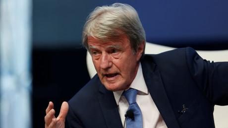 «Des alliés du virus» : refuser la vaccination est «une trahison», estime Bernard Kouchner