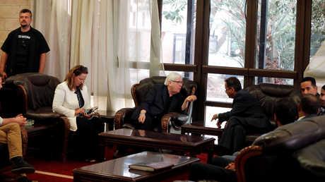 المبعوث الأممي الخاص إلى اليمن، مارتن غريفيث، يجري محادثات مع وزير الخارجية في حكومة الحوثيين بصنعاء، فيصل أمين أبو راس