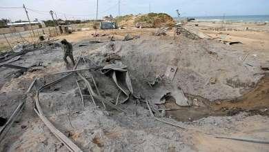 مصدر طبي: حالات اختناق بغازات مجهولة العلو بلدتين شمال غرب حماة بعد استهدافهما بقذائف صاروخية 12
