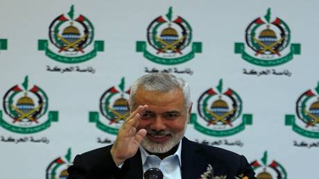 "hamas calls on fatah to work together to face bahrain workshop and ""deal of the century"""