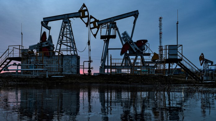 US crude falls below $ 19 a barrel for the first time since 2002