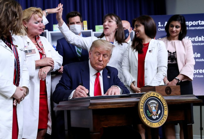 Trump signs four executive orders to reduce drug prices in the United States